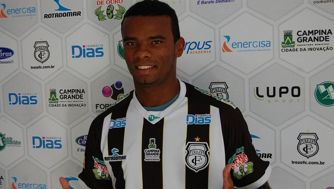 Fernandes, meia do Treze (Foto: Silas Batista / GloboEsporte.com)