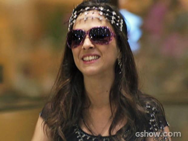 Valdirene se produz toda para entrar no BBB (Foto: Amor à Vida/TV Globo)