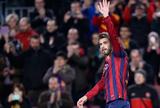 Piqué comemora o gol do Barcelona