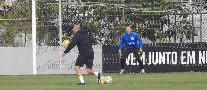 Mauri Lima e Walter, Corinthians (Foto: Marcelo Braga)