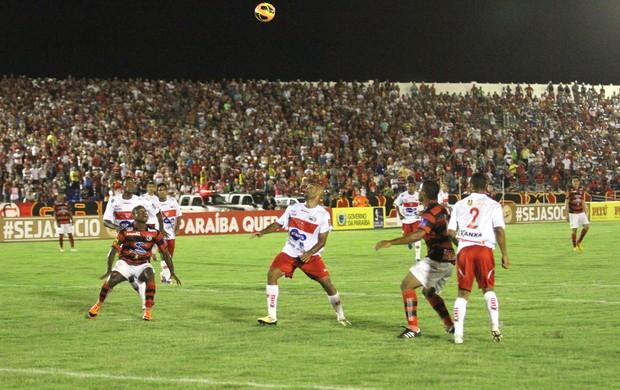 Campinense 1 x 0 CRB, no Estádio Amigão (3ª rodada da Copa do Nordeste 2013) (Foto: Magnus Menezes / Jornal da Paraíba)