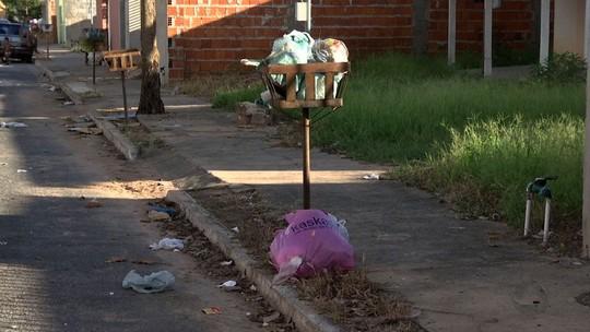Lixo não é recolhido e empresa alega defeitos em caminhões em Cuiabá
