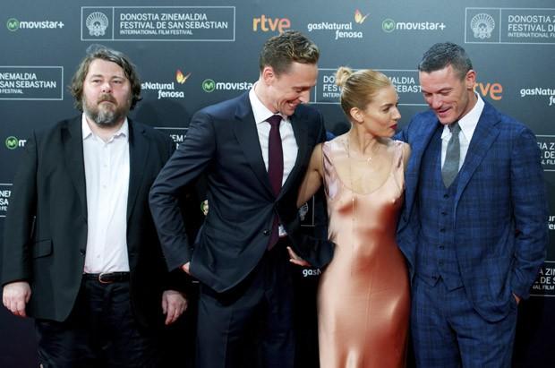 Ben Wheatley, Tom Hiddleston, Sienna Miller e Luke Evans (Foto: Getty Images)
