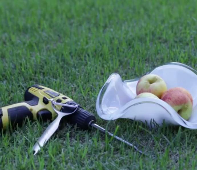 Descascar maçã com uma parafusadeira: Gshow fez o teste! Assista (Foto: Divulgação)