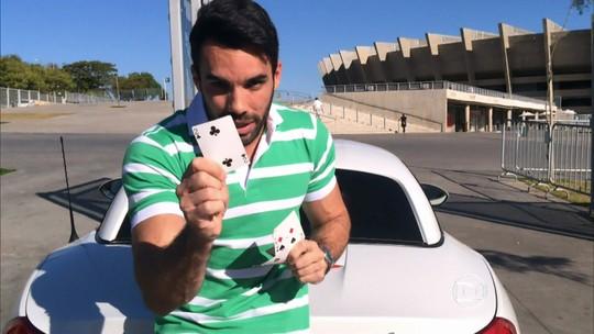 Mágico impressiona Luciano Huck com truque com cartas