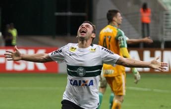 """Juan ainda se assusta com chance do Coritiba ser rebaixado: """"Manter o foco"""""""