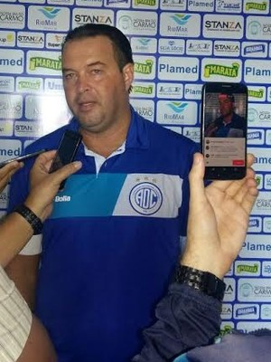 Roberto Fernandes, Confiança, apresentação (Foto: Guilherme Fraga / TV Sergipe)