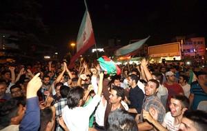Comemoração Torcida Irã (Foto: Agência EFE)
