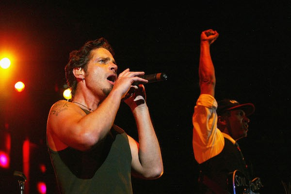Chris Cornell e Tom Morello em um show do Audioslave em 2005 (Foto: Getty Images)