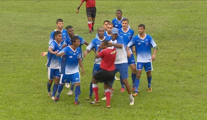 Agressão a árbitro amazonas (Foto: Reprodução/TV Amazonas)