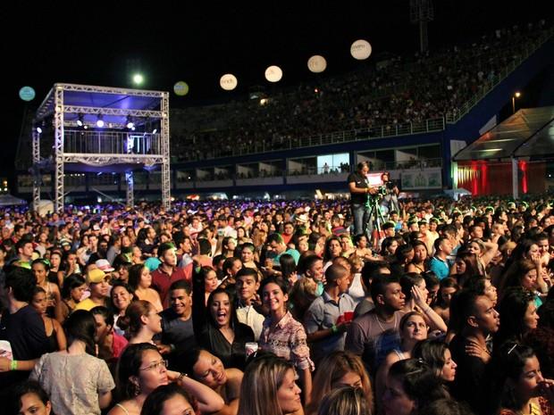 Público tomou conta do Sambódromo, na Zona Centro-Oeste de Manaus (Foto: Marcos Dantas/G1 AM)