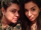 Anitta e Preta Gil posam juntas sem maquiagem