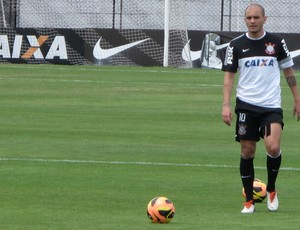 Fabio Santos treino Corinthians (Foto: Rodrigo Faber)