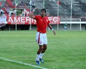 Da cavadinha da eliminação ao gol do acesso: Léo Rocha volta como herói