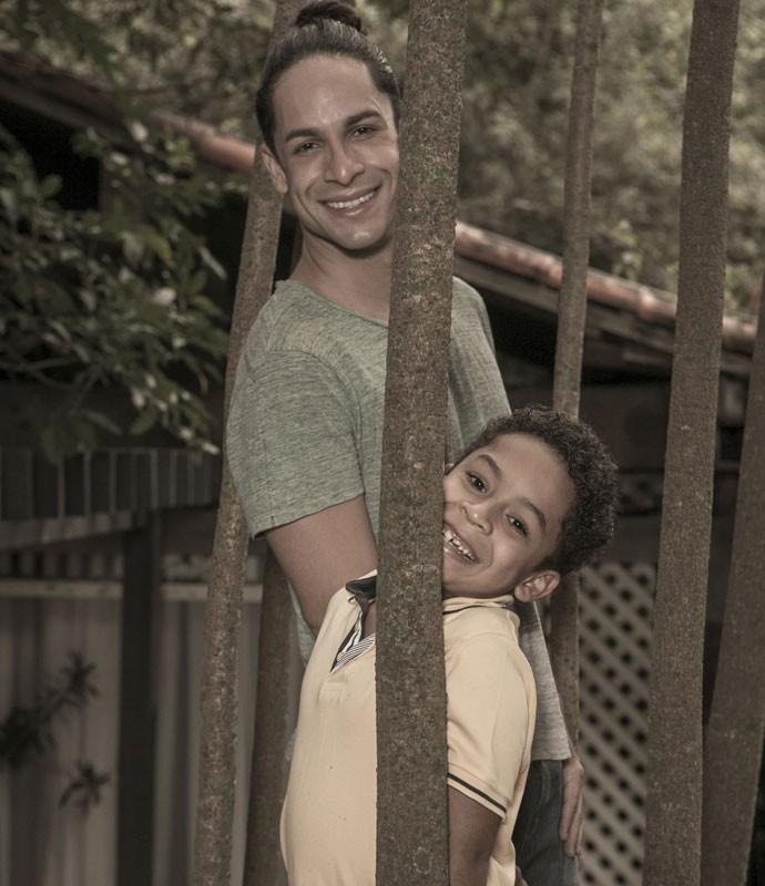 Rainer Cadete se surpreendeu reação do filho ao contar que viveria Visky (Foto: Inácio Moraes/Gshow)