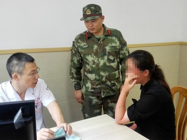 Chinesa caiu ao mar durante cruzeiro e sobreviveu 38 horas na água (Foto: Reprodução/Facebook/CCTVNews)
