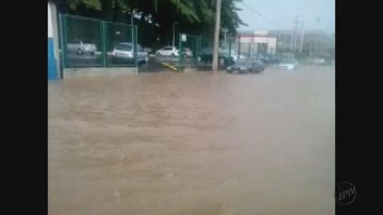Chuva forte causa alagamentos em São João, Mococa e Rio Claro, SP