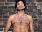Namorado de Kylie Minogue posa sexy para grife masculina brasileira