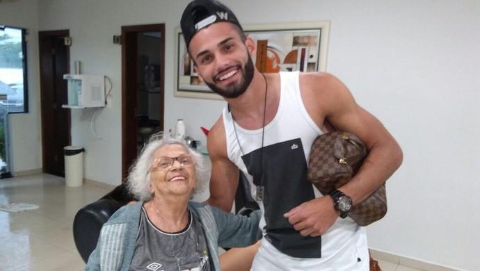 Dona Lourdes e Thiago Maia - Santos (Foto: Arquivo Pessoal)