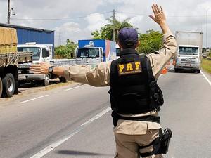 Ação da PRF intensifica as fiscalizações até o dia 2 de janeiro (Foto: Divulgação)