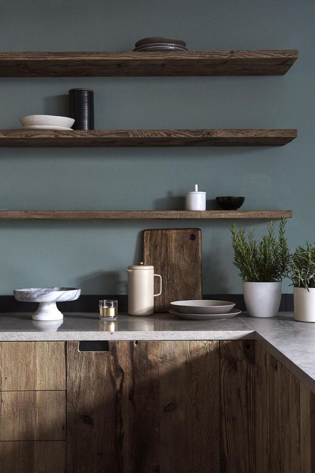 Décor do dia: cozinha minimalista com texturas rústicas (Foto: reprodução)