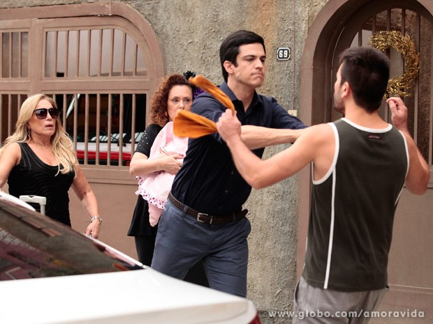 Félix não aguenta provocações (Foto: Pedro Curi/ TV Globo)
