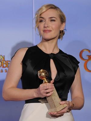 Kate Winslet ganhou por melhor atriz pela minissérie 'Mildred Pierce' (Foto: AP)