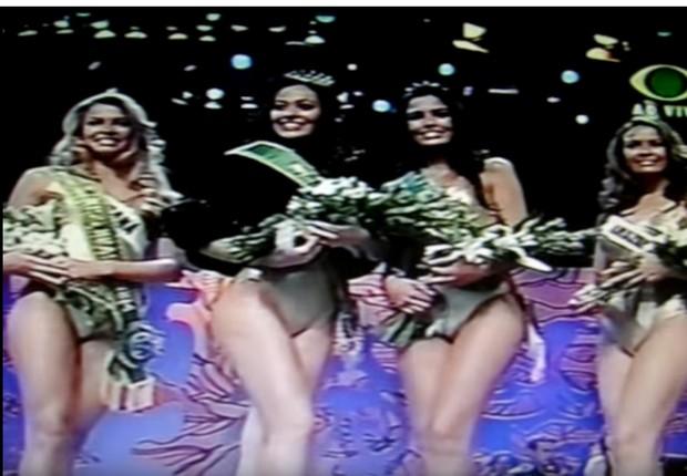 Concurso Miss Brasil 2004 - Grazi Massafera e Fabiane Niclotti (Foto: Reprodução/ You Tube)
