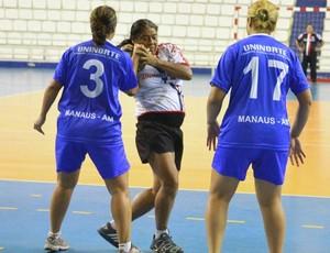 NIlton Lins e Uninorte, handebol feminino 2 (Foto: Frank Cunha/Globoesporte.com)