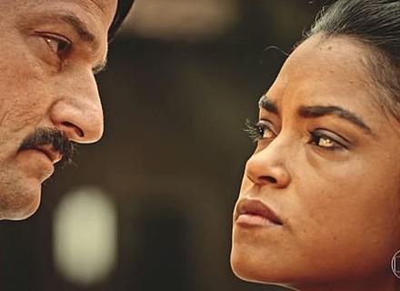 Tereza descobre relação de Carlos e Luzia e fica em estado de choque