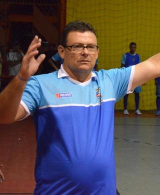 Jorge Freire reclama de preparação da equipe (Foto: João Áquila)
