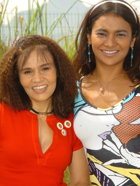 Claudia Rodrigues e Dira Paes em 'A diarista' (Foto: TV Globo)