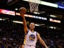 Curry cola no triplo-duplo, e Warriors nocauteiam Phoenix Suns no Arizona