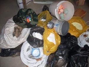 Material para a confecção das bombas será incinerado. (Foto: Divulgação/Batalhão de Polícia Ambiental)