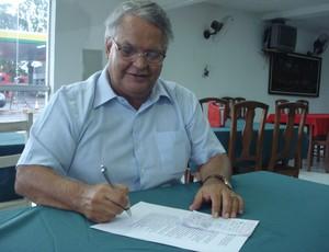 Edilson de Oliveira, presidente do Guarani-MG (Foto: Cléber Côrrea)