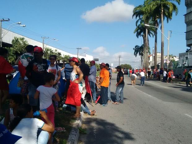 Durante ocupação de membros do MST, a Avenida José Bastos chegou a ser bloqueada (Foto: Divulgação/MST)