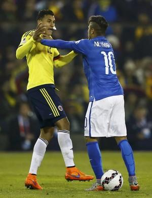 Neymar e Murillo Brasil x Colômbia (Foto: Reuters)