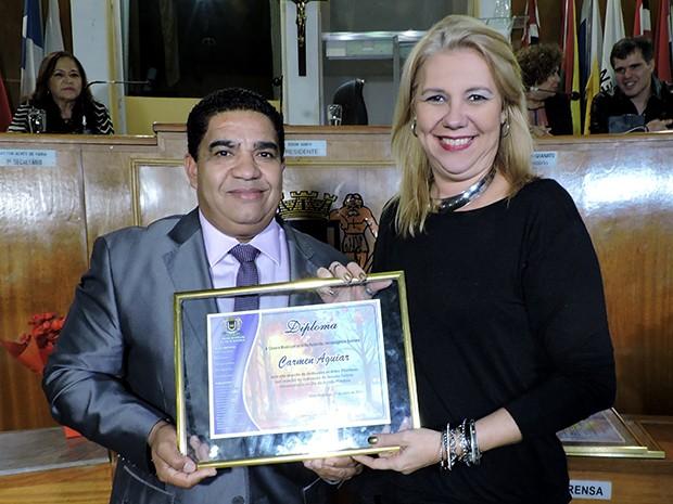 Carmem Aguiar representou a TV Rio Sul na solenidade (Foto: Dalila Lemos / TV Rio Sul)