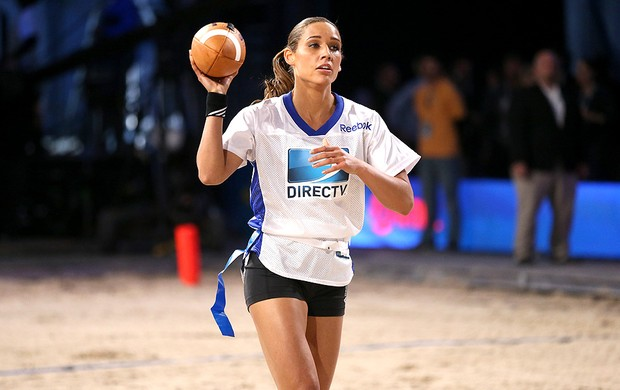 Lolo Jones participa do Beach Bowl (Foto: Getty Images)