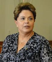 'Sou humana', diz Dilma sobre tirar selfies (Raquel Freitas/G1)