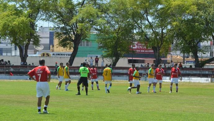 """Veteranos do Sergipe fazem jogo festivo no """"Dia do Mais Querido"""" (Foto: Felipe Martins)"""