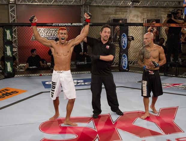 Godofredo Pepey é anunciado como o vencedor da primeira luta do TUF Brasil (Foto: Divulgaçào - TUF Brasil)