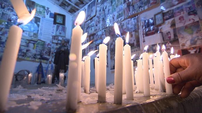 As curas de Maria Milza, morta há 22 anos, atraem devotos para Itaberaba (Foto: TV Bahia)