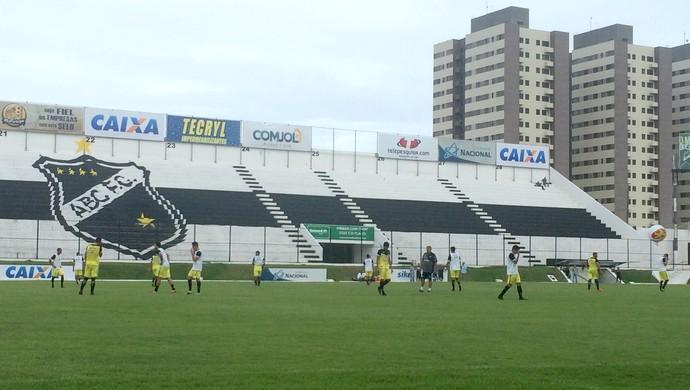 ABC - treino coletivo Geninho Frasqueirão (Foto: Luiz Henrique/GloboEsporte.com)