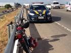 Casal fica ferido após moto bater em cavalo na BR-230 em Santa Rita, PB