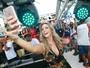 Carla Perez faz 'presença vip' em trio do Harmonia do Samba em Salvador