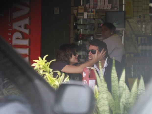 Vanessa Giacomo e o namorado (Foto: Dilson Silva/Agnews)