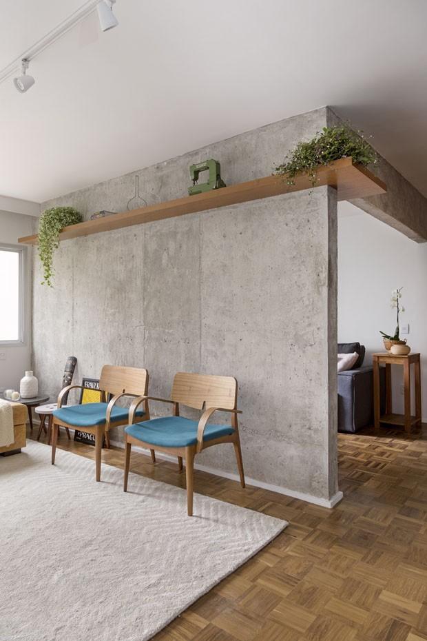 Décor do dia: como valorizar uma parede estrutural no projeto (Foto: Julia Ribeiro/ divulgação)
