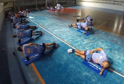 Friburguense faz treino de core em Nova Friburgo (Foto: Alexandre Vaz/Friburguense)