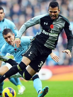 Sandro, Manchester City e Tottenham (Foto: Agência AFP)